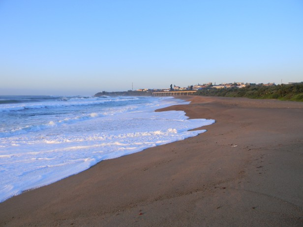 Early morning on a golden beach4